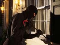 POLIŢIA: Sălăjean bănuit de comiterea unui furt din curtea unui imobil