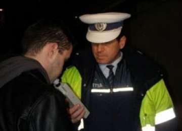 POLIŢIA: Tânăr depistat la volan sub influenţa alcoolului
