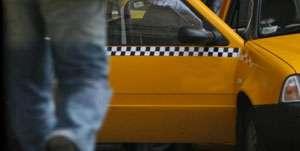 POLIŢIA: Taximetrist bătut de clienţi la Baia Mare