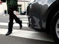 POLIȚIA: 71 de șoferi sancționați ieri pentru neacordare de prioritate de trecere pietonilor