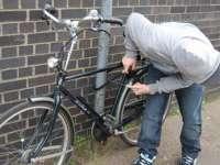 POLIȚIA: Bicicletă furată de un minor, recuperată de poliţişti şi restituită proprietarului
