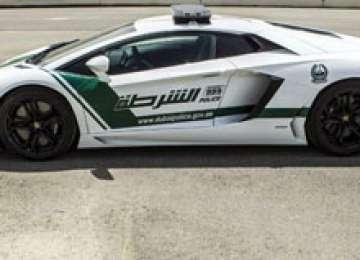 Poliția din Dubai primește un ... Lamborghini Aventador