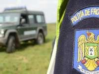 Polițiști de frontieră, implicați în trafic de migranți, ridicați de DIICOT