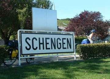 Polițiștii de frontieră au oprit un irakian si un palestinian din drumul ilegal spre Spatiul Schengen