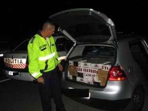CONTRABANDĂ: Poliţiştii maramureşeni au confiscat 11.200 pachete cu ţigări, după o urmărire ca-n filme