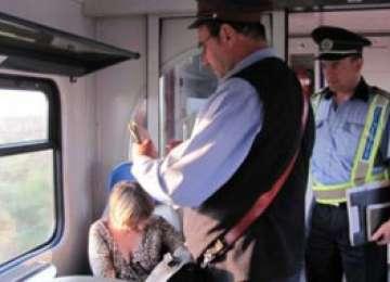 Poliţiştii maramureşeni au efectuat controale în trenurile de călători