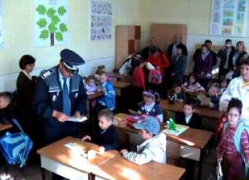 Poliţiştii vor participa la festivităţile de deschidere a noului an şcolar