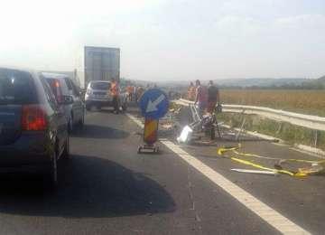 Polițistul lovit de un TIR pe autostrada A1 Sibiu-Deva, în stare gravă la SCJU Târgu Mureș