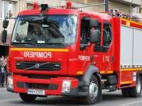 Pompierii maramureșeni au intervenit ieri la trei situații de urgență: două accidente și un incendiu