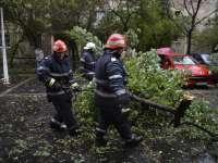 Pompierii militari maramureșeni au lucrat la foc continuu în ultimele 24 de ore, pentru înlăturarea efectelor vijeliilor