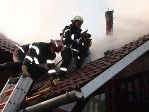 Pompierii sigheteni au intervenit la lichidarea unui incendiu