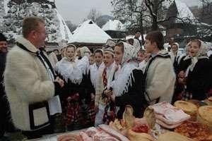 """Ponta, invitat la pomana porcului de """"Crăciun în Maramureş"""""""
