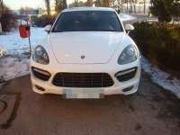 Porsche Cayenne în valoare de 50.000 euro, furat din Italia, depistat la P.T.F. Siret