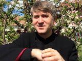 Preotul Pomohaci, anchetat de procurori pentru corupere sexuală a unui minor