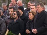 Preşedintele şi soţia sa, transfigurați de durere la mormântul prietenului lor, care s-a sinucis