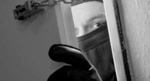 PREVENIRE: Cele mai frecvente metode de operare ale infractorilor care comit furturi din locuinţe
