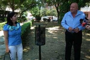 Primăria Satu Mare a inaugurat 10 coşuri de gunoi