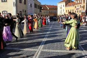 Primul festival de dans istoric din România va avea loc la Brașov