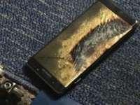 Problemele pentru Samsung, continuă - Un telefon a explodat într-un avion, la un pas să ducă la o tragedie