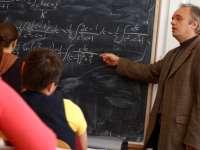 Profesorii ar putea beneficia de PENSII SPECIALE