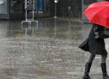 Prognoza meteo: ploi însoţite de descărcări electrice, de la sfârşitul acestei săptămâni