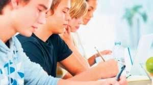 Programele școlare trebuie să pună accent pe partea aplicativă și nu pe cea teoretică