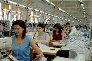 PROIECT: Vârsta de pensionare pentru femei va creşte la 65 de ani