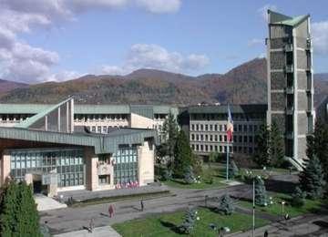 Protest în fața Prefecturii, împotriva depozitului ecologic de la Fărcașa