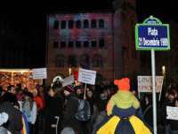Protestatarii din Piața Universității au blocat carosabilul
