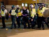 PROTESTE la Londra. Şase poliţişti au fost răniţi