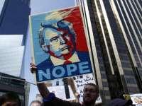 Proteste pentru a treia noapte în mai multe oraşe din Statele Unite împotriva lui Donald Trump