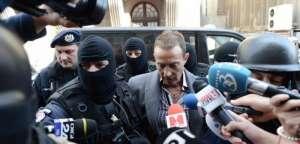 Radu Mazăre a fost dus cu duba poliţiei la instanța supremă