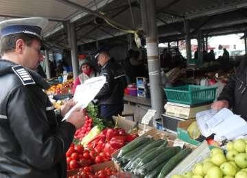 RAZIE - Peste 200 kg legume confiscate de poliţiştii maramureșeni