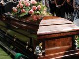 Reguli noi pentru înmormântări. Cine nu le respectă va fi amendat