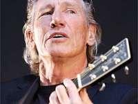 Roger Waters cântă la Bucureşti alături de un cor de 15 copii români