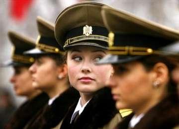 Romania are cele mai sexy femei din armata