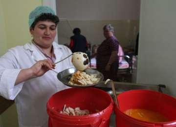 ROMÂNIA - Deținuții, MAI BINE HRĂNIȚI decât BOLNAVII din spitalele de stat