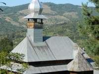 RONA DE SUS - REVOLTĂTOR: Starețul Mănăstirii vrea să distrugă mormântul celui care a donat în trecut terenul pe care astăzi se află Lăcașul Sfânt