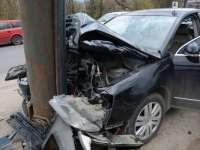 Rozavlea: A intrat cu mașina intr-un stâlp