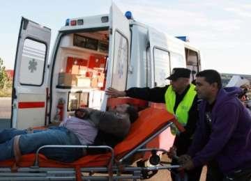 ROZAVLEA: Şase persoane rănite grav în urma unui accident