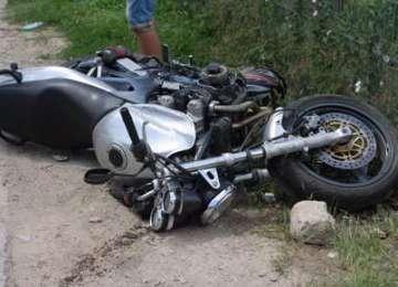 RUSCOVA: A ajuns la spital după ce a condus fără permis o motocicletă şi a provocat un accident