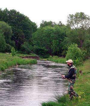S-a redeschis sezonul de pescuit pe râurile din Maramureş