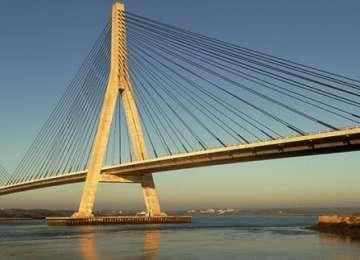 S-a stabilit cine va proiecta şi executa Golden Gate-ul peste Dunăre