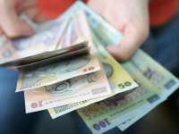 Salariul mediu net a scăzut cu 36 de lei în august
