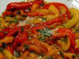 Salată de ardei copţi cu usturoi