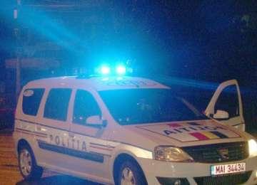 SARASĂU: Două persoane au fost rănite după ce s-au răsturnat cu maşina într-un şanţ