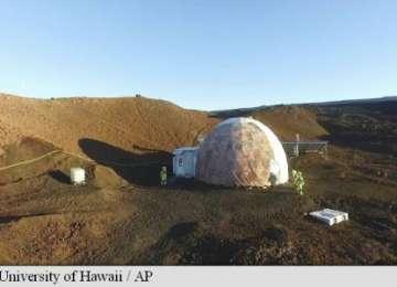 Șase voluntari au stat într-un dom din Hawaii, simulând opt luni cum ar fi viața pe planeta Marte