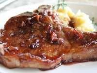 SAVUROS: Cotlete de porc cu marmeladă de ceapă