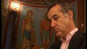 Scandal în închisoare: Gigi Becali, scos din sărite de un senator PPDD care i-a propus să se convertească la Baptism