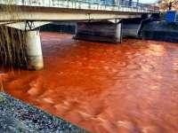 SCURGERI REZIDUALE – Apele râului Săsar au devenit roşiatice după prăbuşirea tavanului unei mine închise